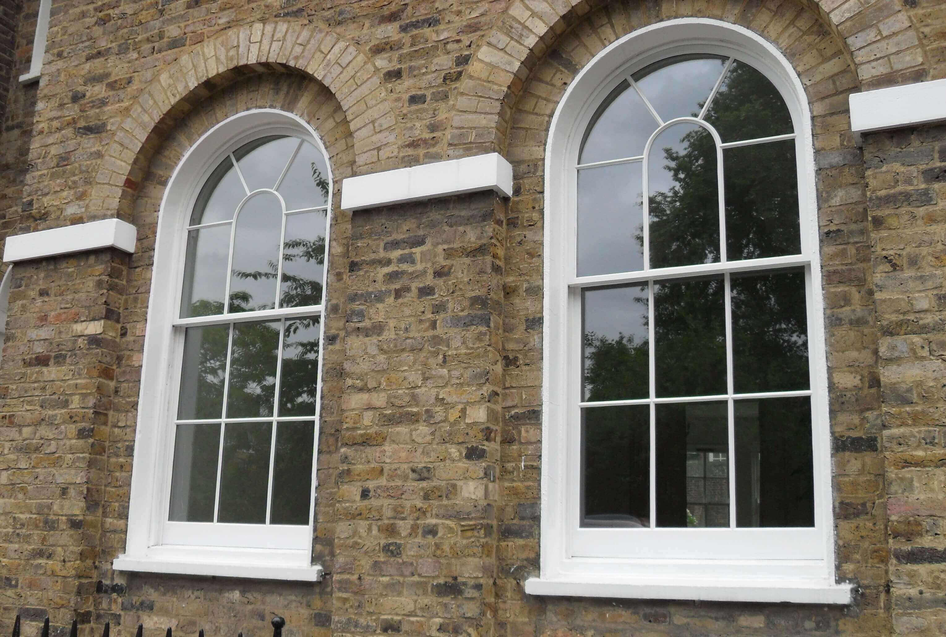Bowed curved sash windows bespoke heritage windows for Curved windows