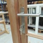 Bifold door multipoint locking