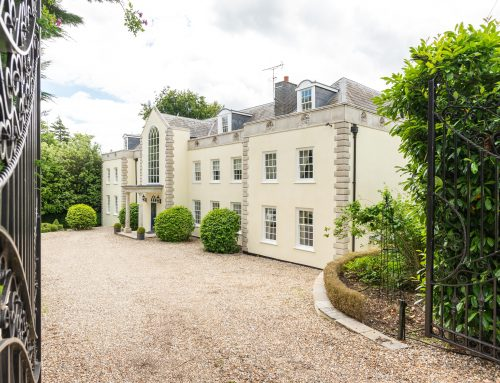 Berkshire: Beautiful Georgian style property with double glazed Sash Windows and French Doors