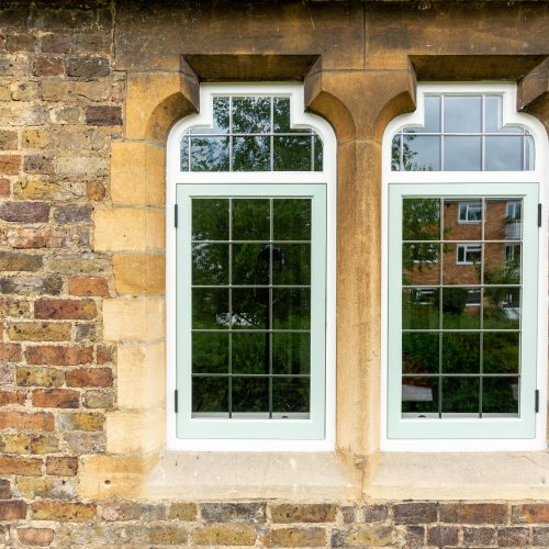 Kingston - Timber bottle top windows